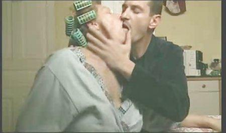 크고 아름다운 여성 뿔에서 르는 젊은 온라인 이탈리아와 그녀의 남편을 미친