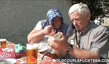 나는 당신을 이해하려는 러시아의 젊은 성별 분위기의 시간