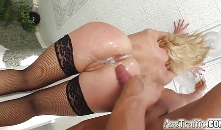 얇은 아름다운 섹스 어린 소녀 양키스 Pontiac 카리나 장난감 스쿠터